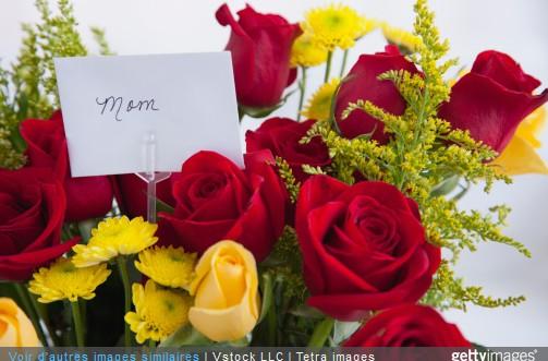 F te des m res 5 bouquets de roses offrir for Offrir des roses