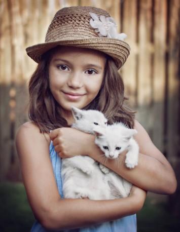 chaton-fillette